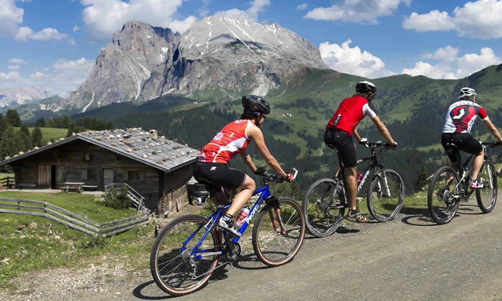 Active holiday in South Tyrol – from hiking to paragliding