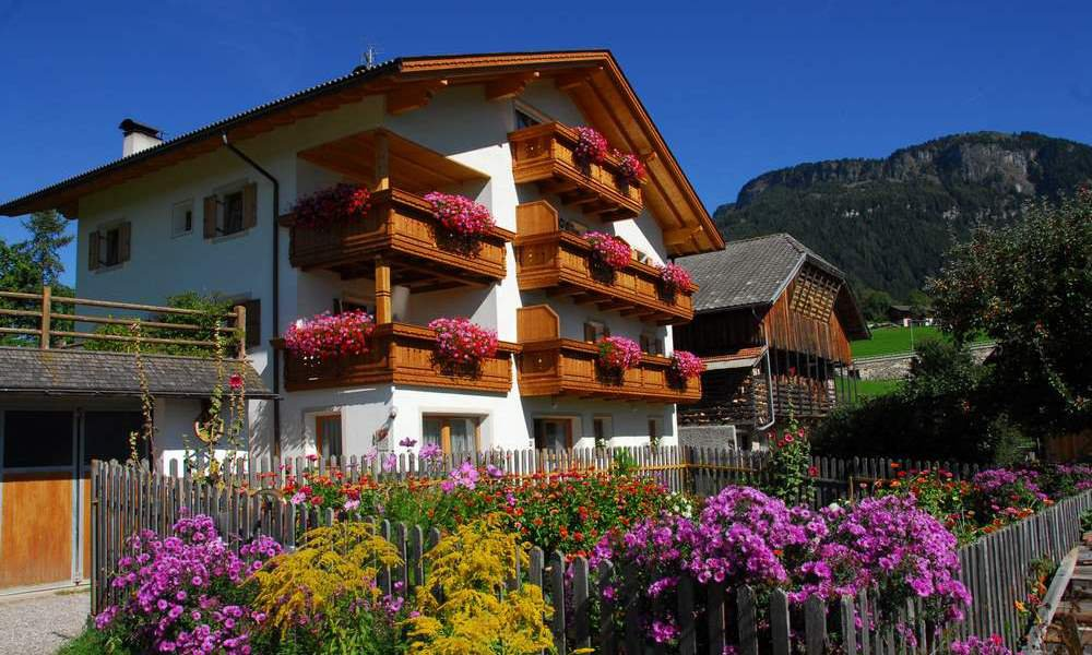 Your holiday farm in South Tyrol: the Singerhof in St. Valentin