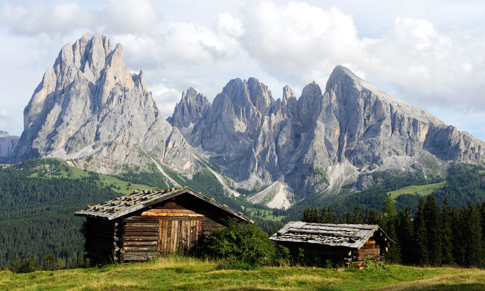 Hiking in South Tyrol: The Seiser Alm offers many hiking opportunities