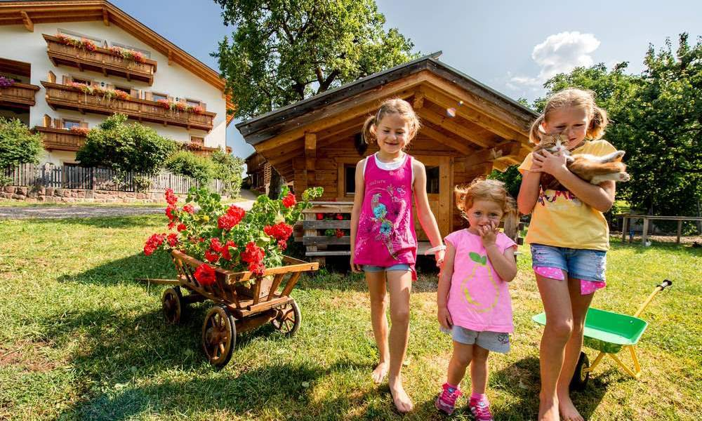 Vacanze in famiglia a castelrotto vacanza con bambini for Vacanze in famiglia